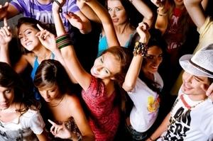 Dancing_Teens.jpg